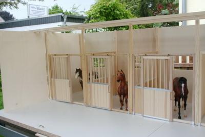 pferdestall bauen cool schleich pferdestall anmalen with pferdestall bauen rinderstall in with. Black Bedroom Furniture Sets. Home Design Ideas