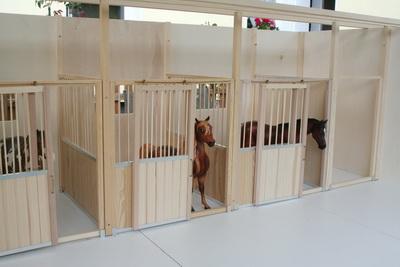 pferdestall schleich selber bauen cool pferdestall fur zum schleich spielen holz bausatz kinder. Black Bedroom Furniture Sets. Home Design Ideas