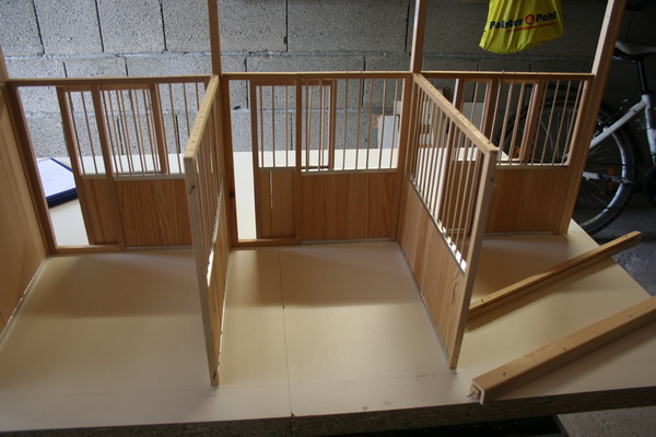 projekt stallbau basteln modellpferdeforum des mpv. Black Bedroom Furniture Sets. Home Design Ideas