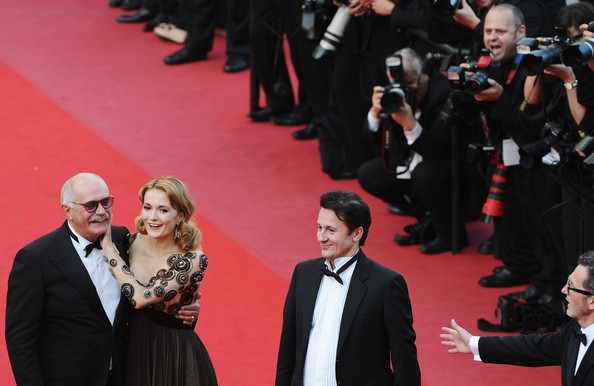 Exodus-Burnt-Sun-Premiere-63rd-Cannes-Film-_mvGfdjhz-nl.jpg