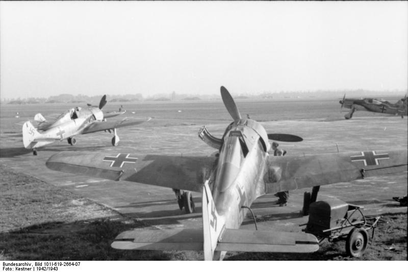 Bundesarchiv-Bild-101I-619-2664-07.jpg