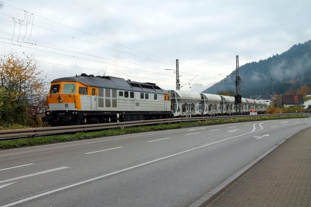 44_November-2014---V300.18-der-SGL-im-Bauzugverkehr-in-Haslach--13.11.2014-.jpg