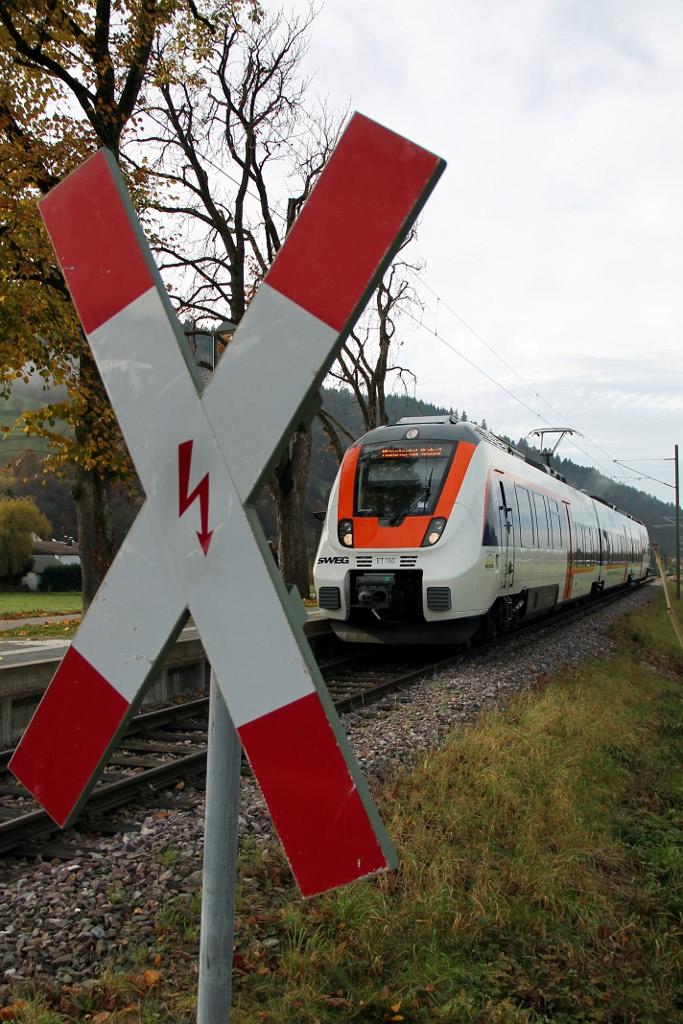 47_November-2014---SWE-87755-mit-ET-150-kommt-am-Haltepunkt-Hof-an--14.11.2014-.jpg