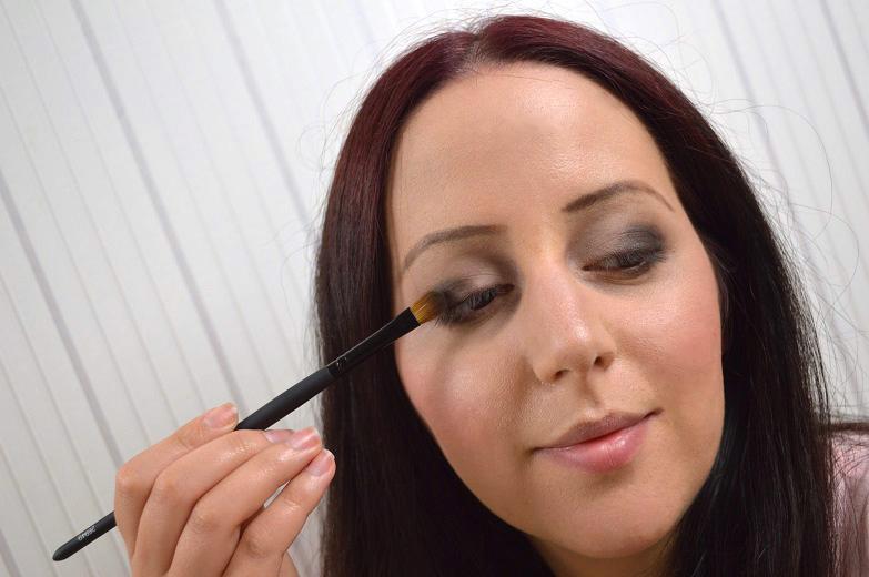 Ausdrucksstarkes-Augen-Make-up-12.jpg