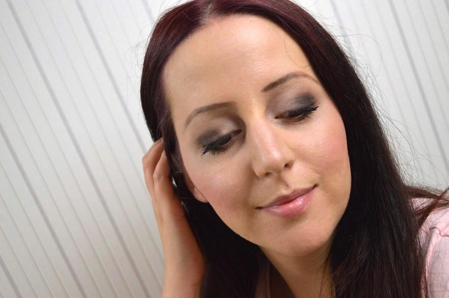 Ausdrucksstarkes-Augen-Make-up-16.jpg