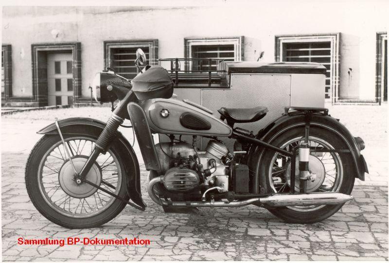 BMW-R-67-3---Beiwagen-Fa.-Dittmann--Berlin-ca.-1956ca--.jpg