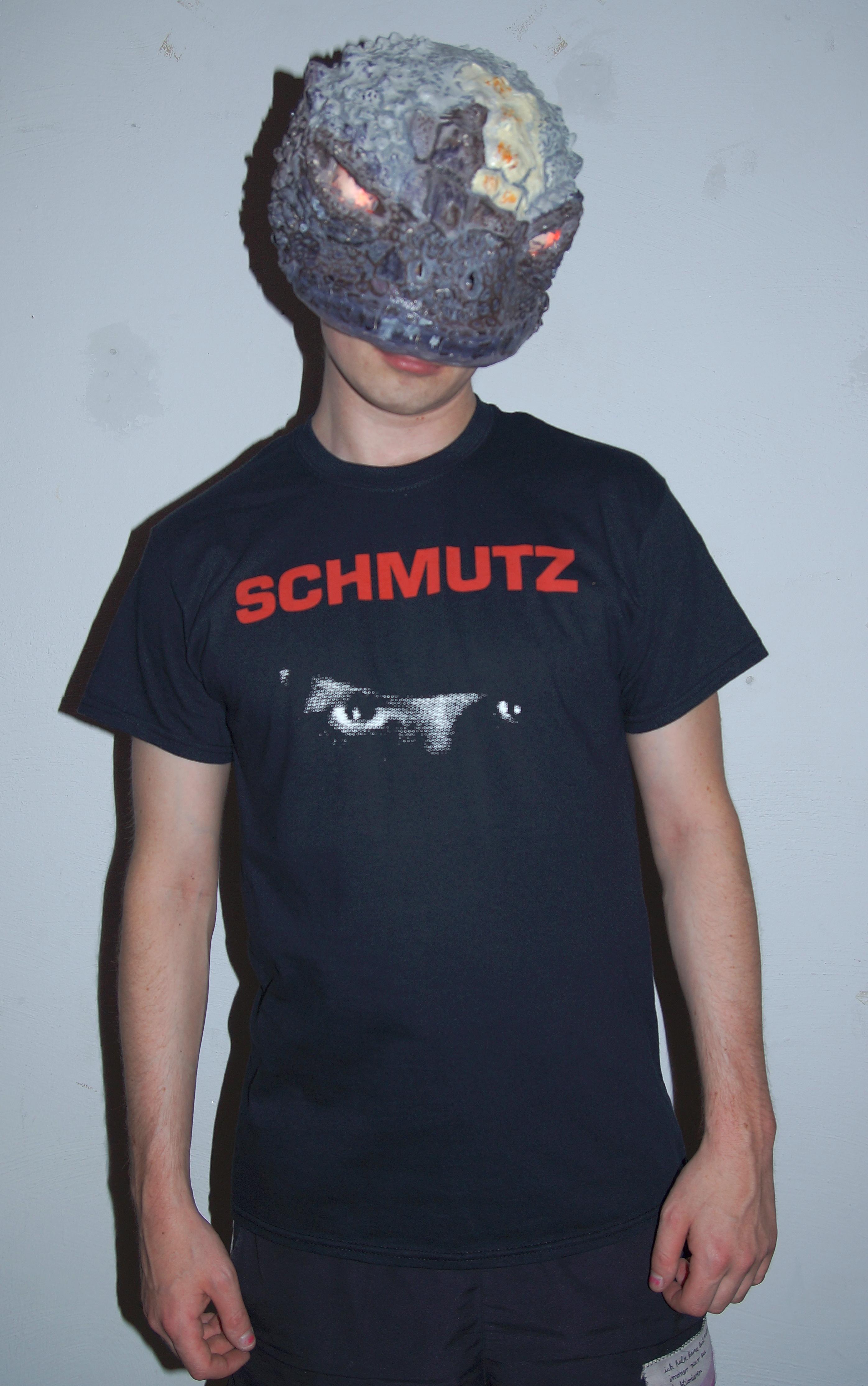 schwarzshirt.jpg