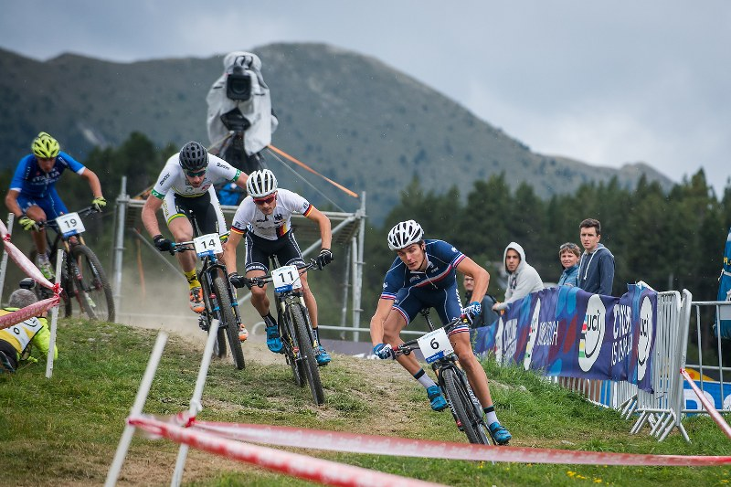 150901_12327_by_Maasewerd_AND_Vallnord_WCh_XCE_Finals_Horvath_800x533.jpg