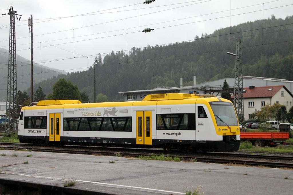 006_VT-516-im-Regen-abgestellt-in-Hausach--22.09.2015-.jpg
