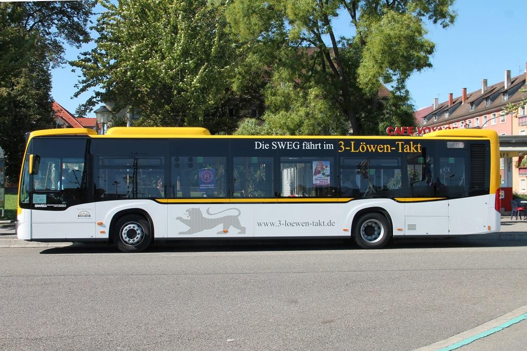 015_ORB-Bus-FR-H-8989-im-neuen-Design-als-Messependel-in-Offenburg---Breitseite-29.09.2015-.jpg